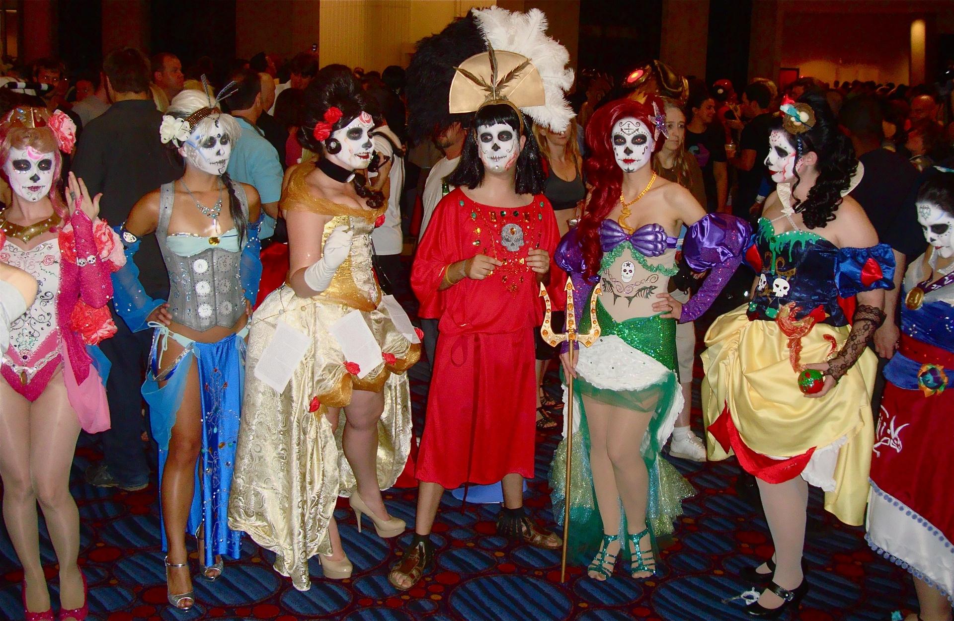 Halloween Costume Rental Online